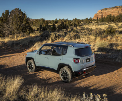 2015-Jeep-Renegade-53