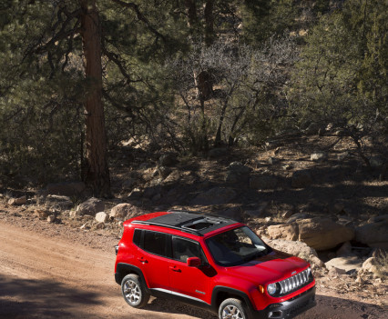 2015-Jeep-Renegade-78