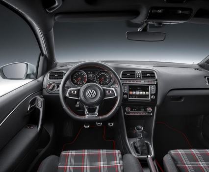 2015-VW-Polo-GT-Facelift-11