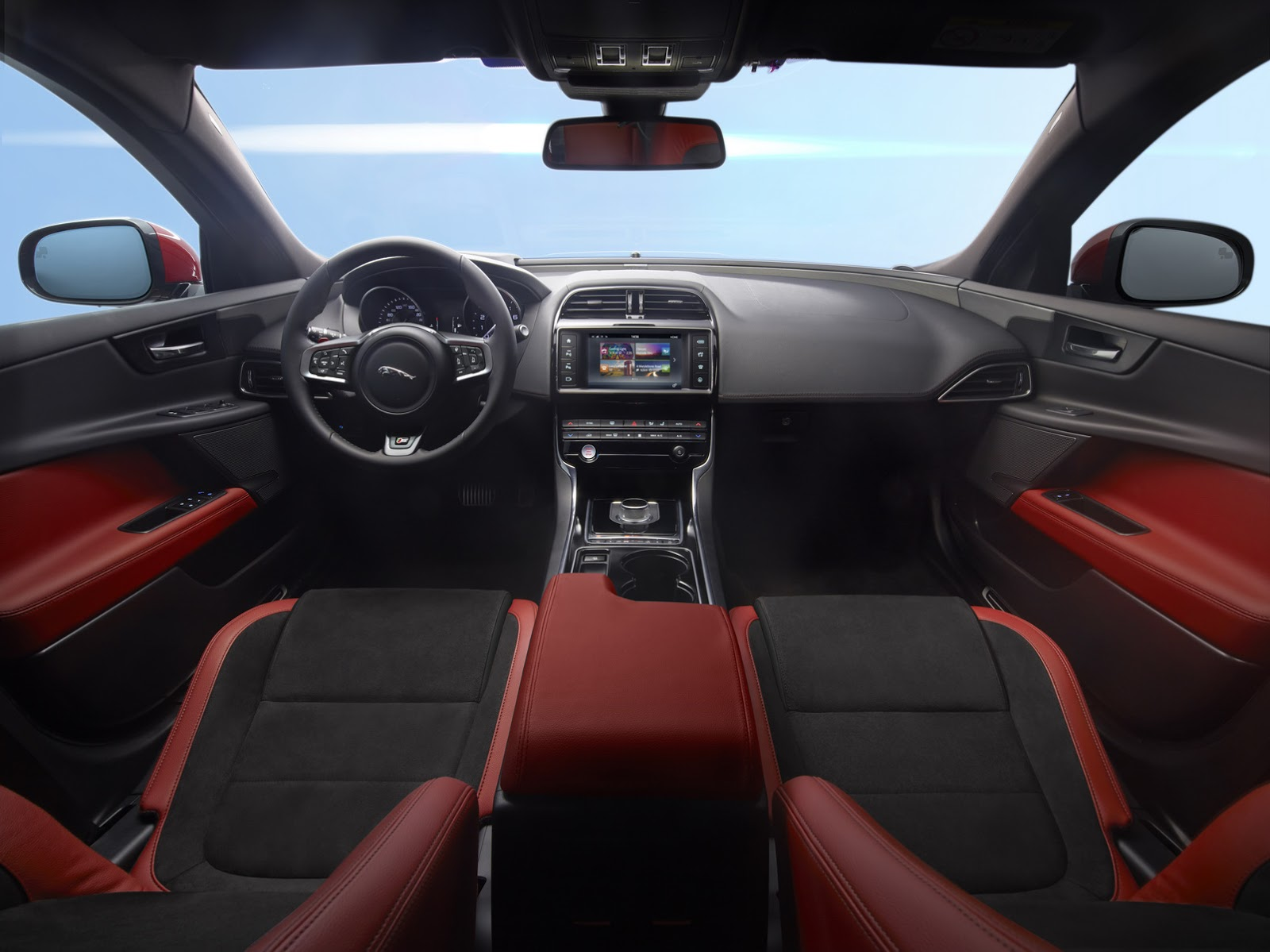 Jaguar-XE-2016MY-16