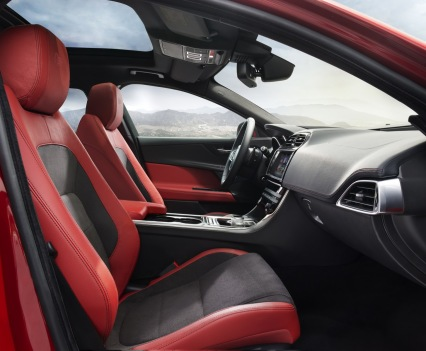 Jaguar-XE-2016MY-18