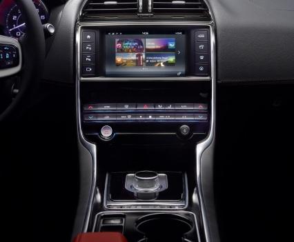 Jaguar-XE-2016MY-20