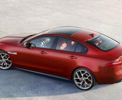 Jaguar-XE-2016MY-30
