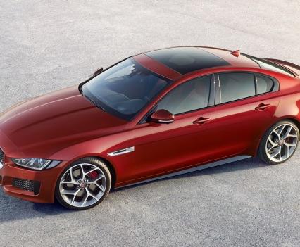 Jaguar-XE-2016MY-32