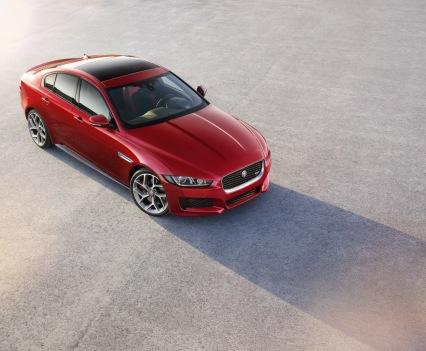 Jaguar-XE-2016MY-4