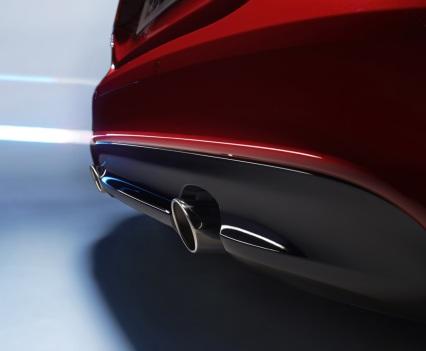 Jaguar-XE-2016MY-8