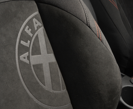 Alfa_Giulietta_Sprint_37