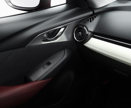 2016-Mazda-CX-3-33
