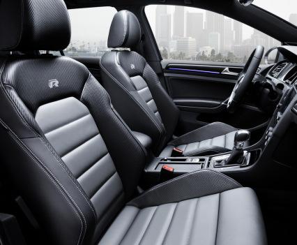 VW-Golf-R-Variant-19