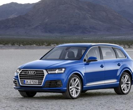 Audi-Q7-New-2016-13