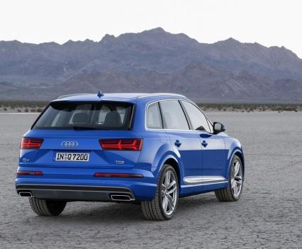Audi-Q7-New-2016-14