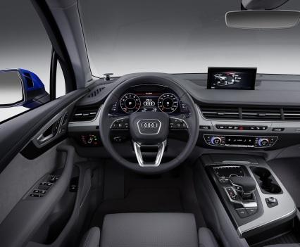 Audi-Q7-New-2016-15
