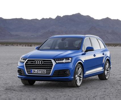 Audi-Q7-New-2016-3