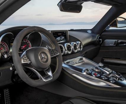 Mercedes-amg-gt-14