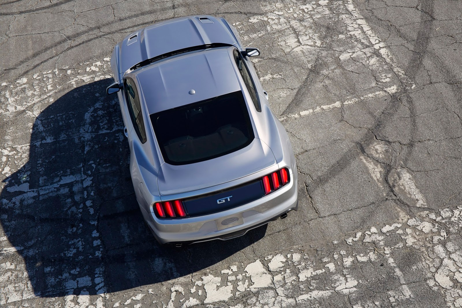 2016-Ford-mustang-2