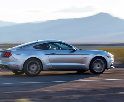2016-Ford-mustang-38