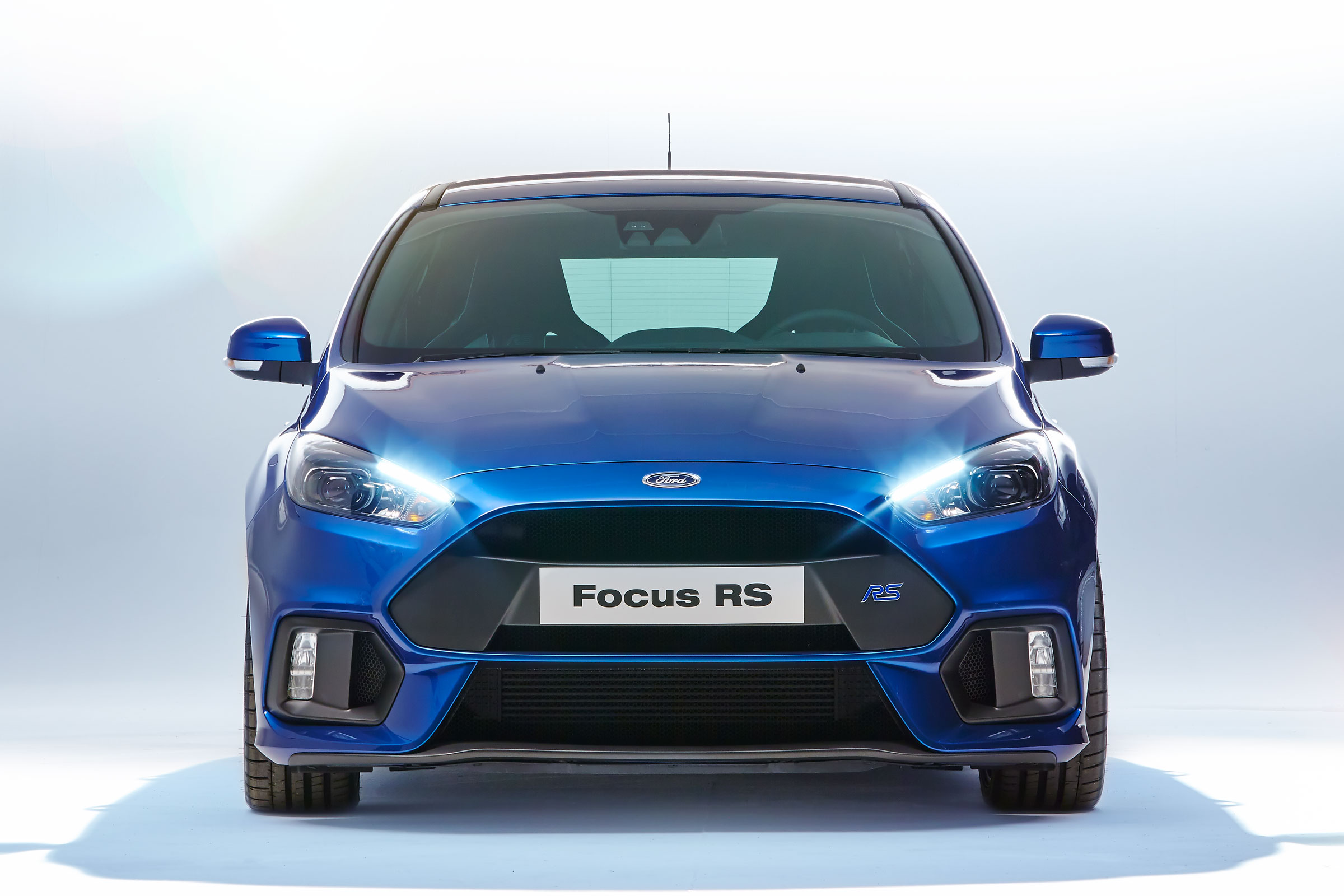 Ford-Focus-RS-2016-11