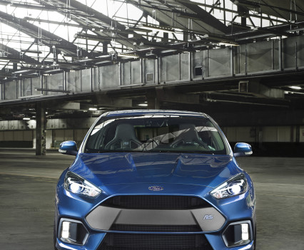 Ford-Focus-RS-2016-17