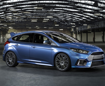 Ford-Focus-RS-2016-18