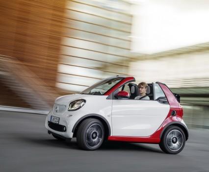 Smart-fortwo-cabrio-2016-nuova-11