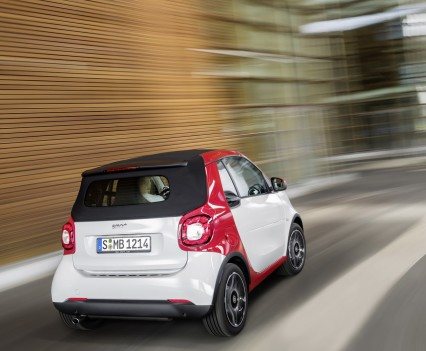 Smart-fortwo-cabrio-2016-nuova-12
