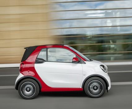 Smart-fortwo-cabrio-2016-nuova-13