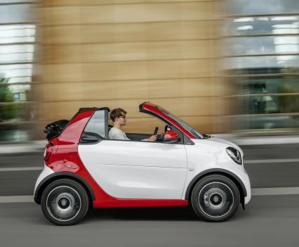 Smart-fortwo-cabrio-2016-nuova-14