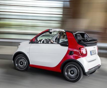 Smart-fortwo-cabrio-2016-nuova-15