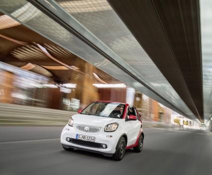 Smart-fortwo-cabrio-2016-nuova-16