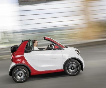 Smart-fortwo-cabrio-2016-nuova-18