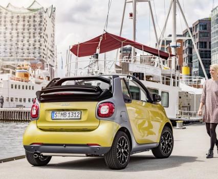 Smart-fortwo-cabrio-2016-nuova-21
