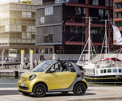 Smart-fortwo-cabrio-2016-nuova-22