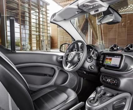 Smart-fortwo-cabrio-2016-nuova-27