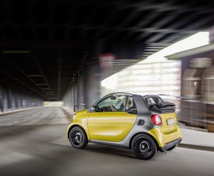 Smart-fortwo-cabrio-2016-nuova-31