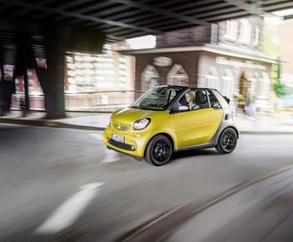 Smart-fortwo-cabrio-2016-nuova-33