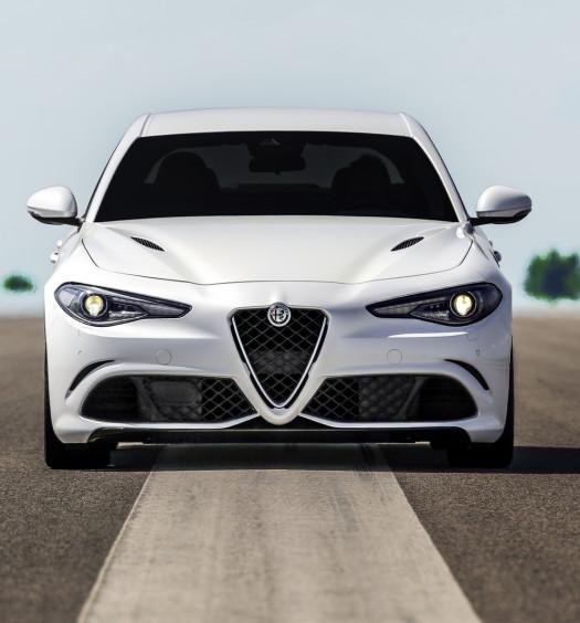 Alfa- Giulia-Quadrifoglio-prezzo6