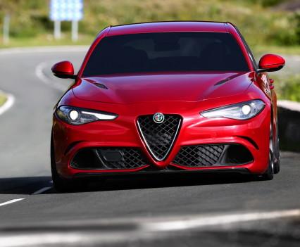 Alfa- Giulia-Quadrifoglio-prezzo7