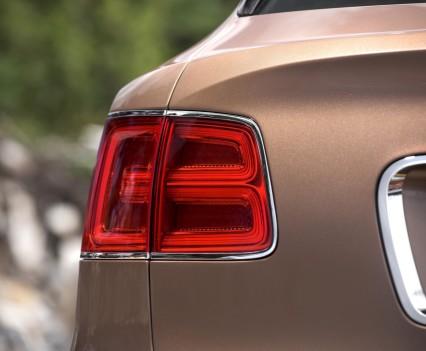 Bentley-Bentayga-SUV-2016-13