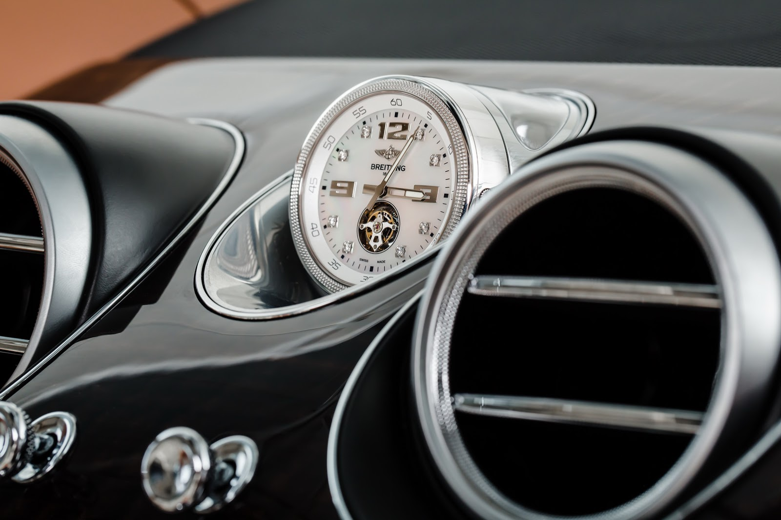 Bentley-Bentayga-SUV-2016-16