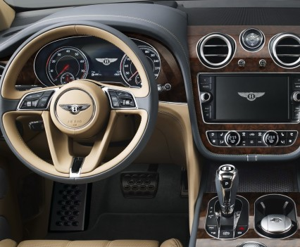 Bentley-Bentayga-SUV-2016-22