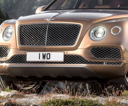 Bentley-Bentayga-SUV-2016-23