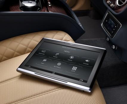 Bentley-Bentayga-SUV-2016-25