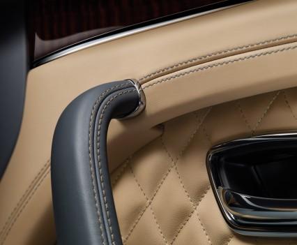 Bentley-Bentayga-SUV-2016-26