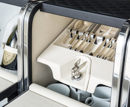 Bentley-Bentayga-SUV-2016-28