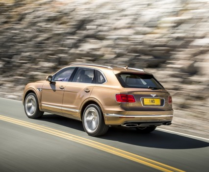 Bentley-Bentayga-SUV-2016-32
