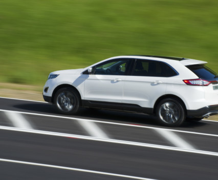 Ford-Edge-crossover-2016-12