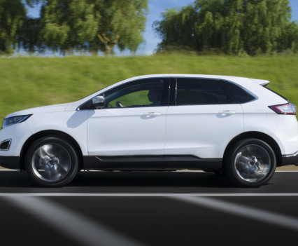Ford-Edge-crossover-2016-16