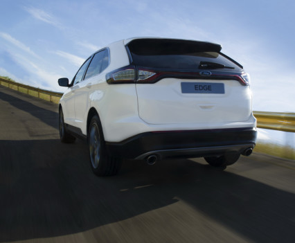 Ford-Edge-crossover-2016-17