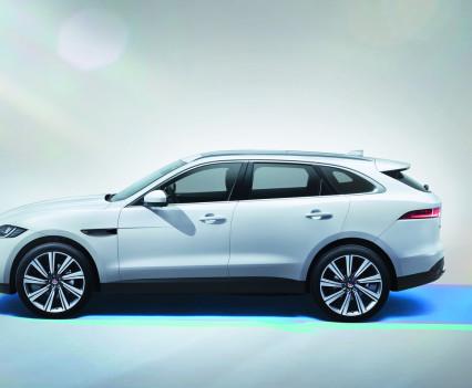 Jaguar-f-pace-28