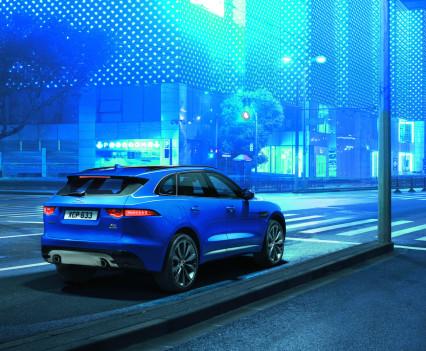 Jaguar-f-pace-42
